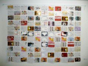 Pedro Bustamante, Spectacle, 2013, Berlin, Werbepostkarten, beidseitig beschriftet, 1,75 x 1,30 m - Recyceln