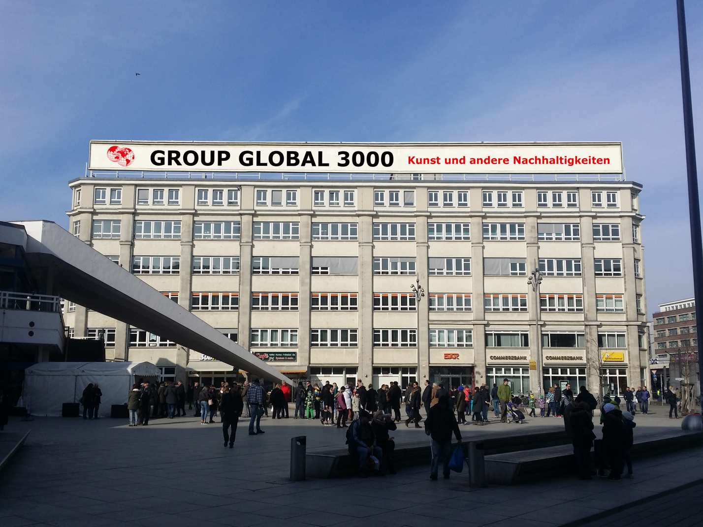 Group Gobal 3000 at Alexanderplatz