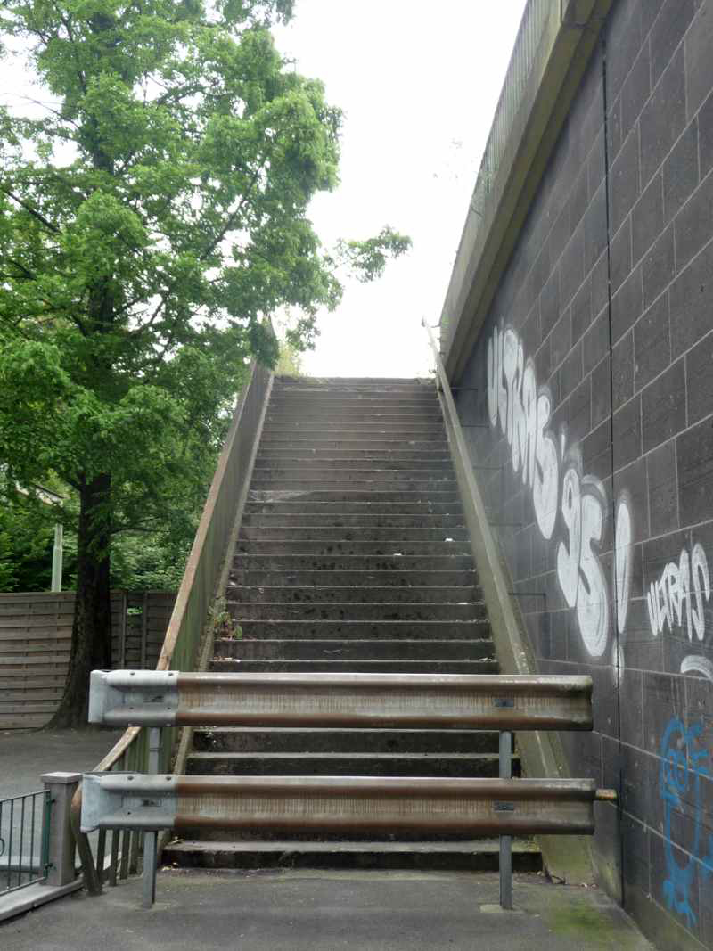 Guardrails in front of stairs, © T. A. Traffic for Humans