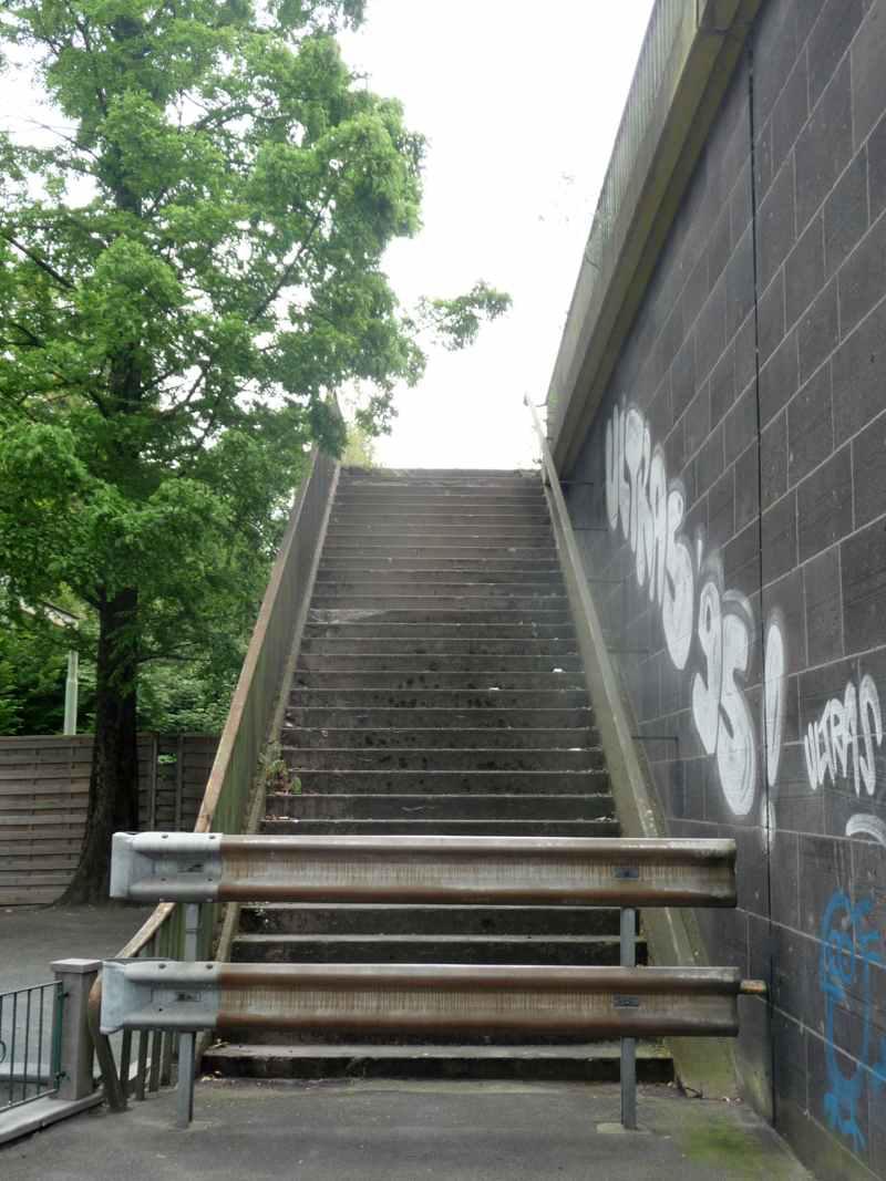 Leitplanken vor Treppe, © T. A. Verkehr für Menschen