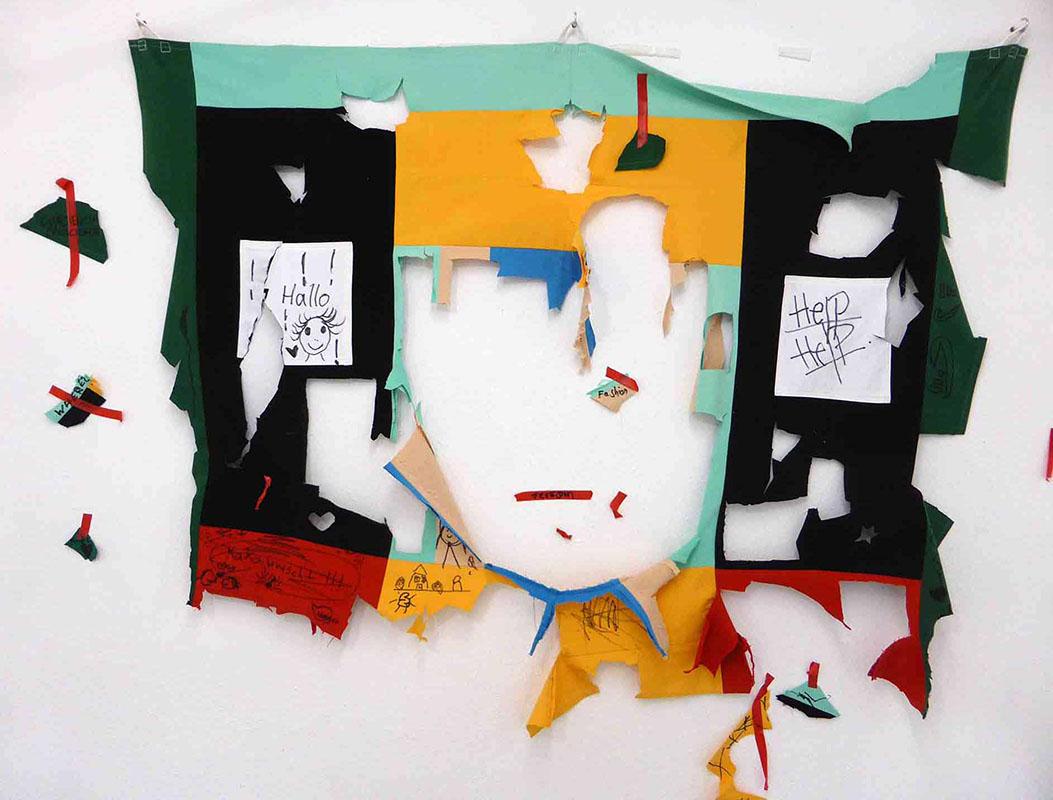 """Naemeh Shirazi """"Distressed"""" Partizipative Installation - Ausgewaschen"""
