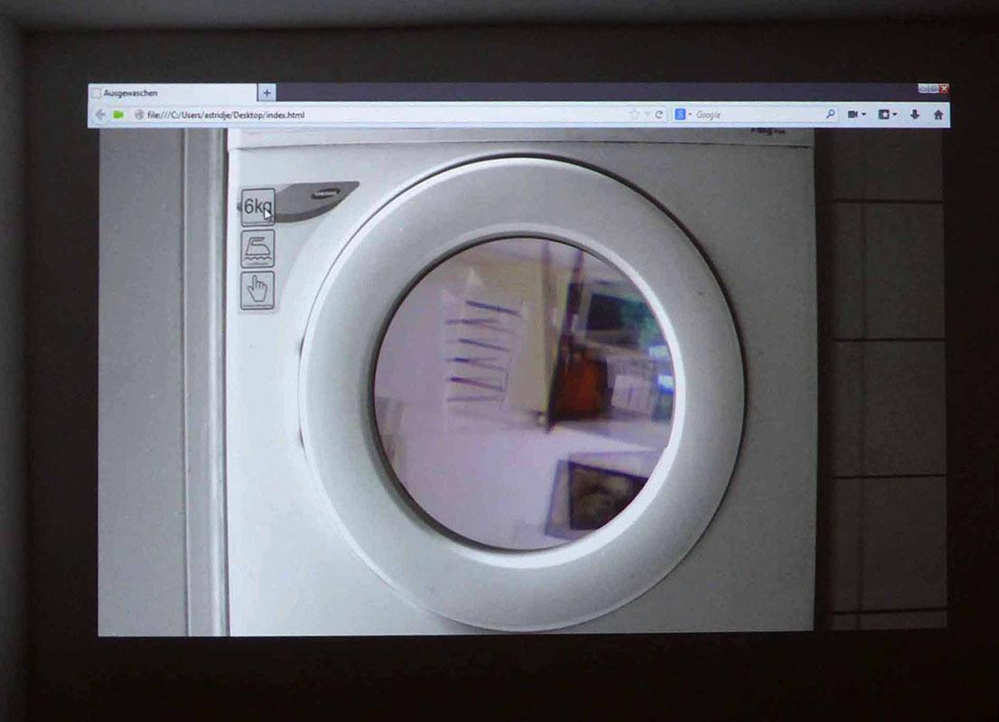 """Maria Korporal """"Ausgewaschen"""" Videoinstallation"""