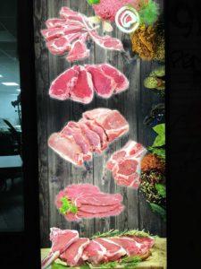 Fleischstücke arrangiert. Kann man Genuss kaufen? Foto: M. Gottwick