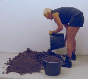 Schüttung. Annegret Müller. C T.A. Boden von dem wir leben