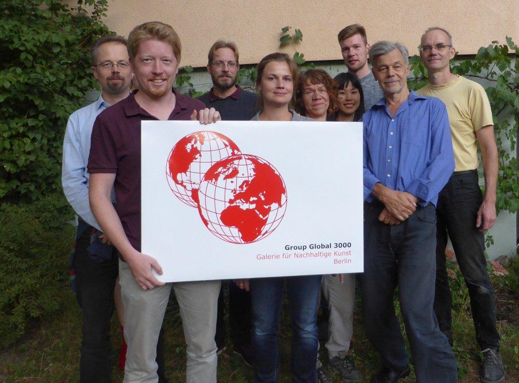 """Unser Beitrag mit Gästen, Referent und Kurator des Vortrages in unserer Ausstellung """"Wege zur Nachhaltigkeit"""". GG3 unterstützt Signsforfuture"""