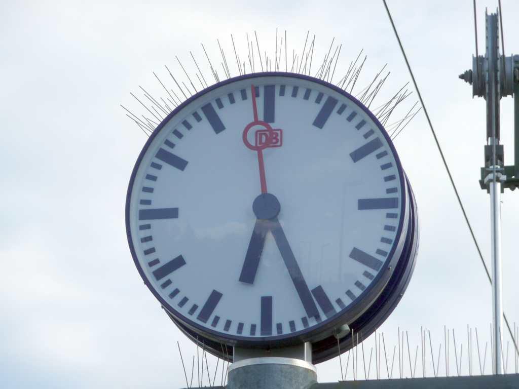 Bahnhofsuhr, (C) T. A. Lachen und Nachhaltigkeit